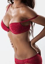 melltartós nő implantátummal